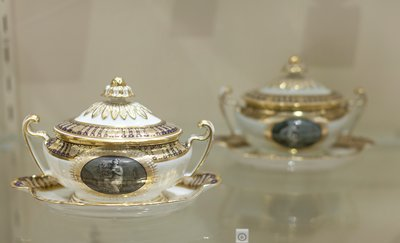 covered sauce tureen and stand, gold and bleu du roi borders, grisaille medallions