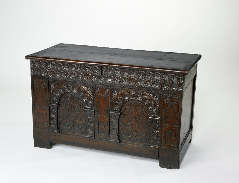 Chest, oak, English (Jacobian), XVIIc cat. card dims 28-7/8 x 47-1/4 x 23'