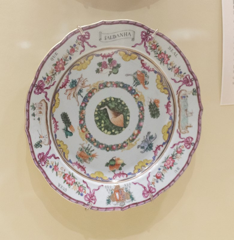 Plate, ceramic, Chinese Export XVIIIc cat. card dims diam 9-1/8' plate with the arms of Soldanha de Albuquerque, Portuguese market