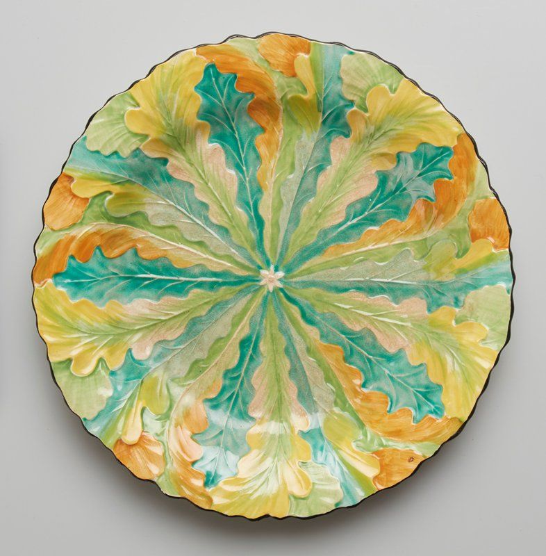 plate, ceramic-pottery, ceramic-pottery, radiating stylized oak leaves motif
