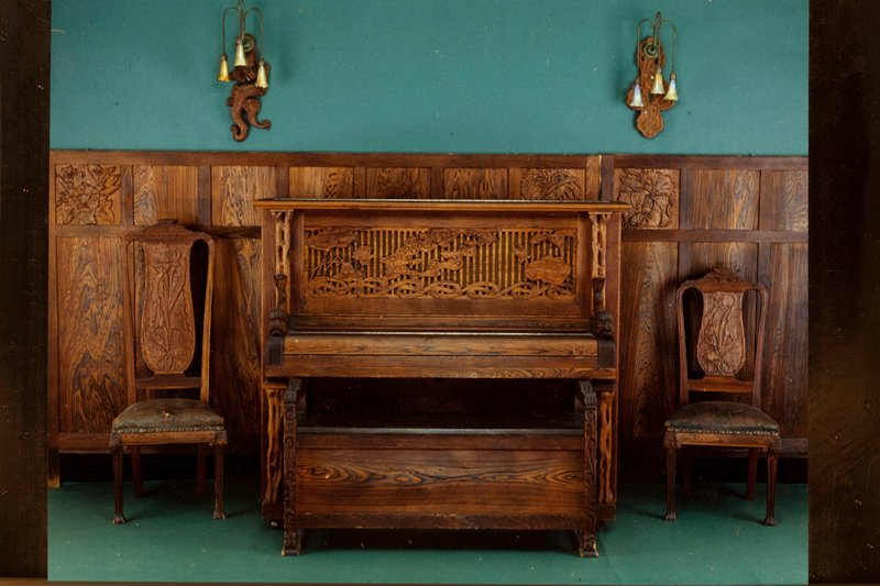Prindle House, Piano Bench, oak seat with cypress wood, American XXc NO PHOTO ON CAT. CARDS; cat. card dims H 26 x W 48 x D 18'