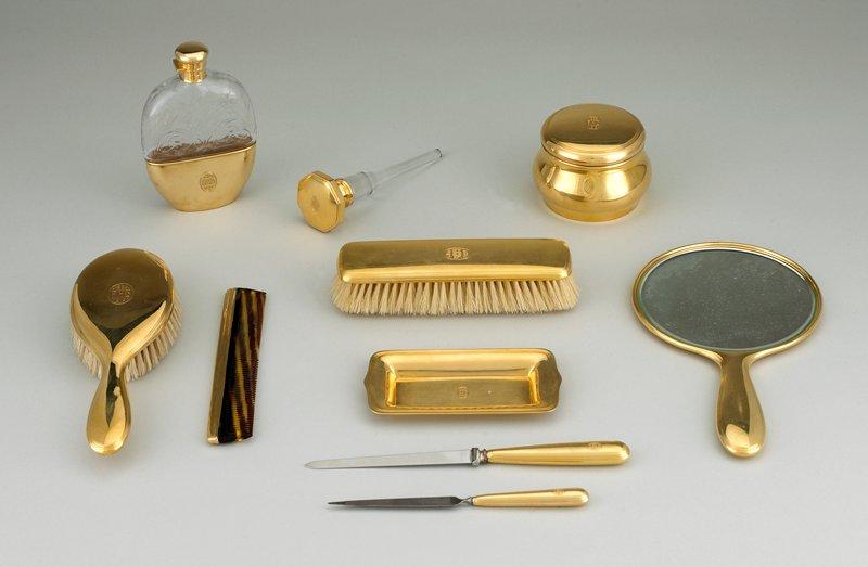 18 carat gold hairbrush