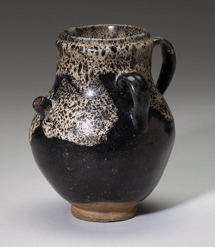 Ewer, Tang Dynasty, earthenware, glazed.