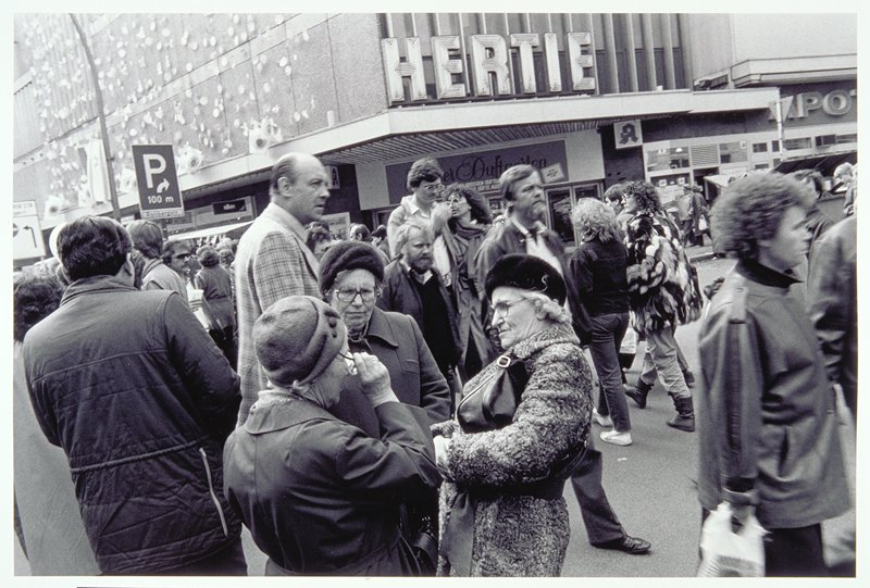 street scene, women conversing