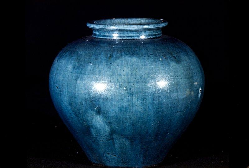 Jar, all over blue glaze. White earthenware with blue lead glaze.